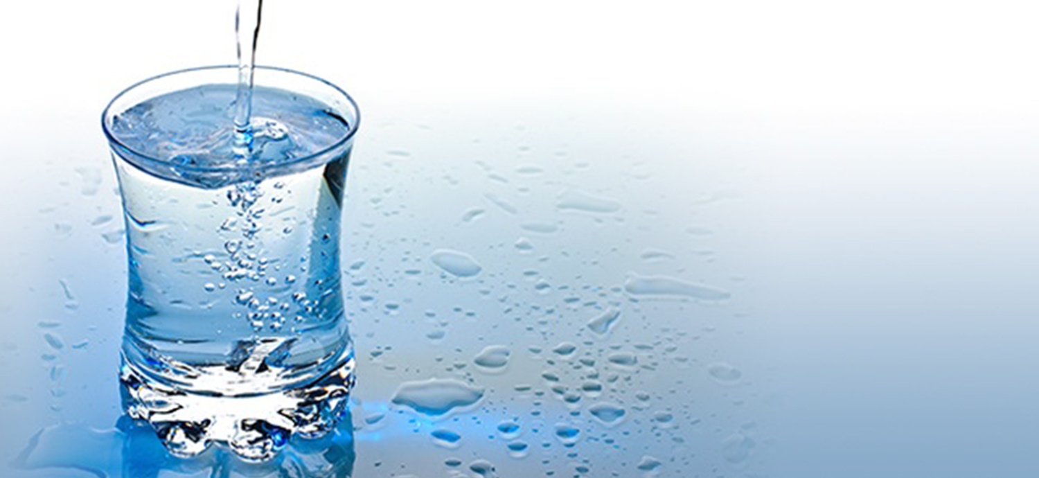 Glass filling with drinking water